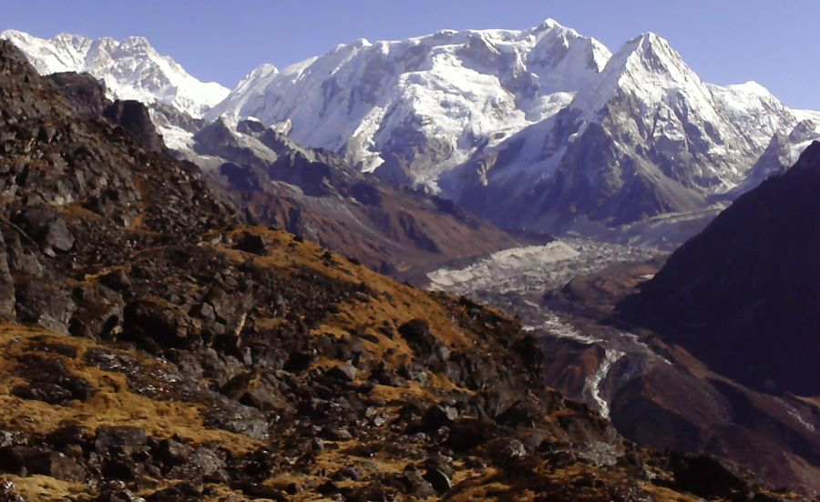 Kangchenjunga, Talung, Kabru and Ratong - Kangchenjunga south side on ascent from Yalung to Sinian La