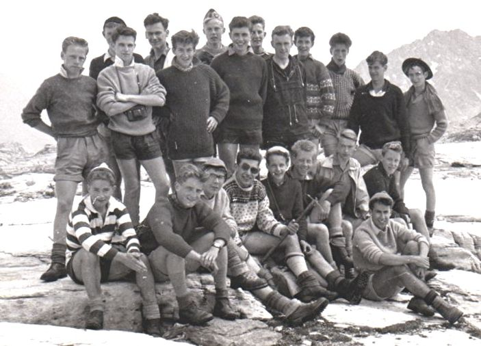 24th Glasgow ( Bearsden ) Scout Group at the top of the Lotschen Pass