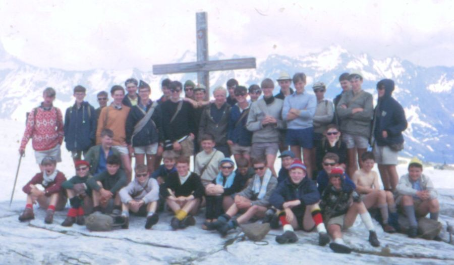 24th Glasgow ( Bearsden ) Scout Group at the summit of the Lotschen Pass