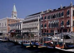 http://www.venicehotels.org