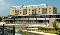 http://www.holidayinnbrentford.co.uk/
