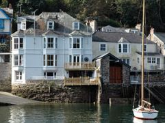 http://www.cottagenet.co.uk/gl_cornwall.htm