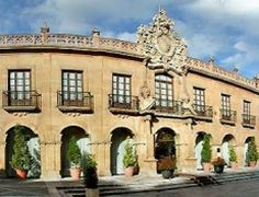 http://www.book-spain-hotels.com/oviedo_accommodations