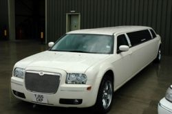 http://www.midlandslimos.co.uk/limo-hire/limo-hire-nottingham.html