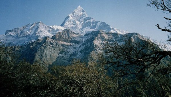 An account and photographs of a trek to Chyanglung Hill and the Mardi Himal in the Annapurna Region of the Nepal Himalaya