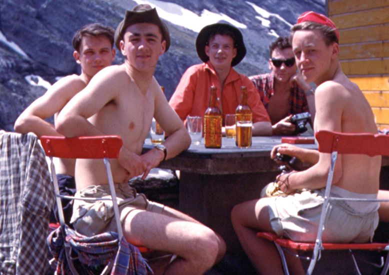 Refreshment stop on route to the Lotschen Pass
