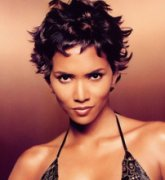 Photo Gallery - Halle Berry - James Bond Girl