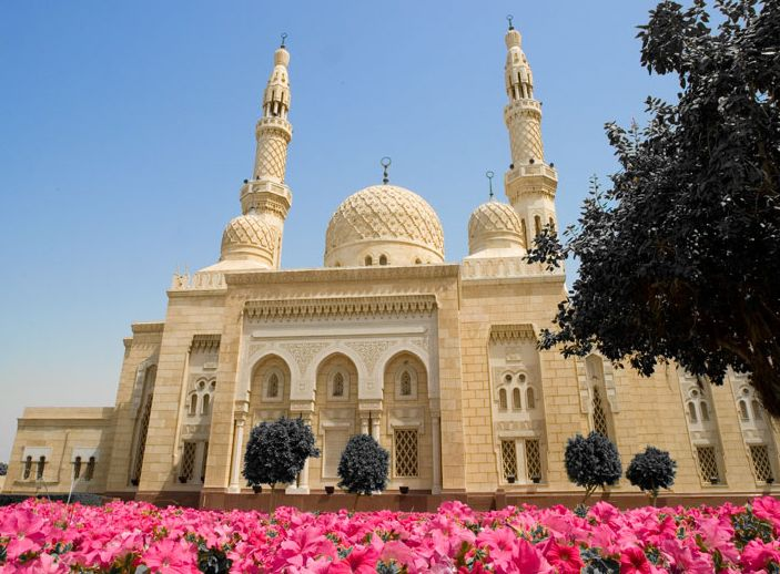 Jumeirah Mosque in Dubai, United Arab Emirates ( UAE )